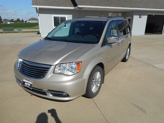 2015 Chrysler Town & Country Hospers IA