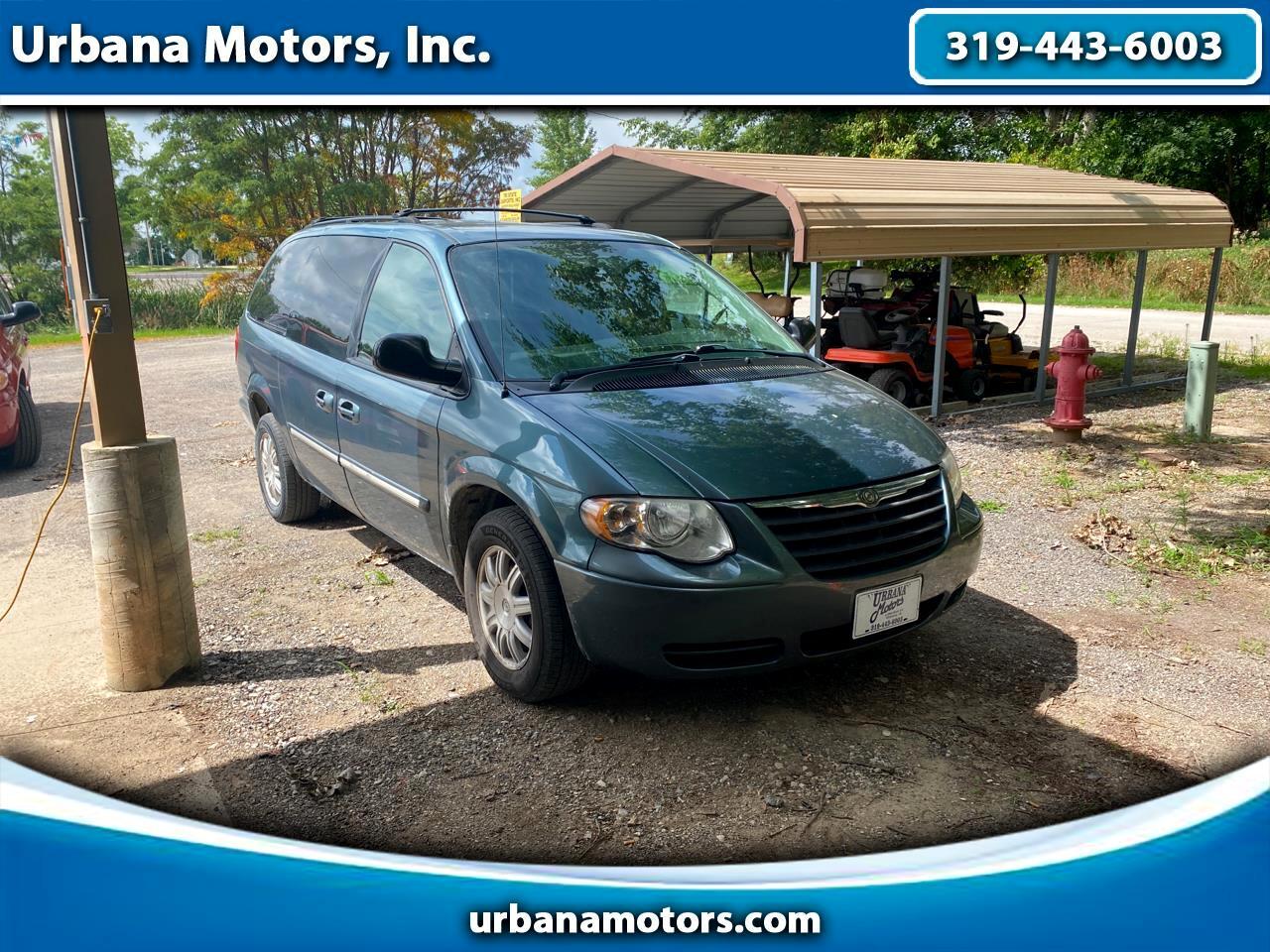2006 Chrysler Town & Country Urbana IA