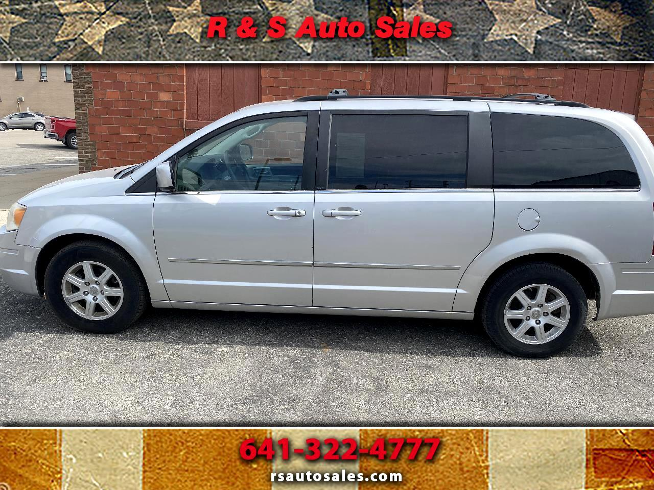 2010 Chrysler Town & Country Corning IA